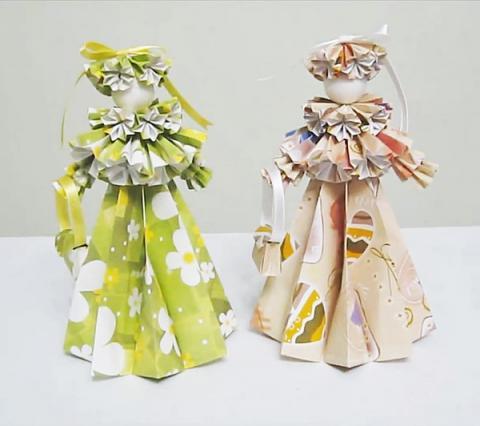 Сделать из бумаги куклу