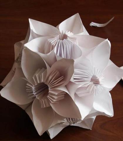 Надувной шарик из бумаги