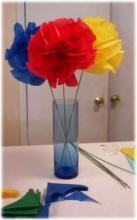 Пушистые цветы из гофрированной бумаги